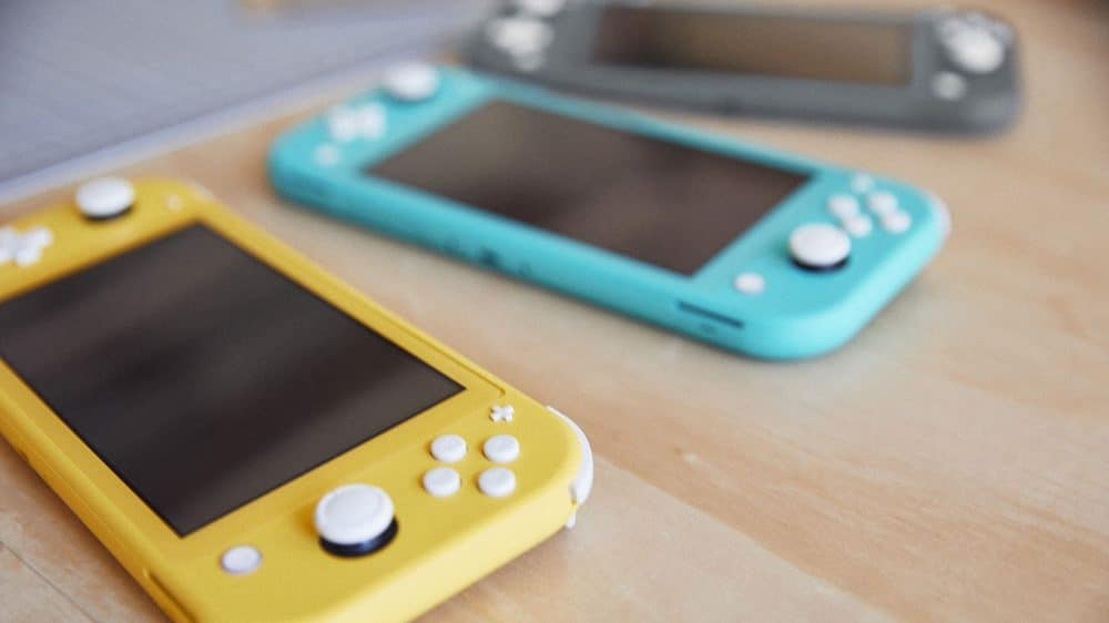 Nintendo's Switch Lite set to house smaller battery, FCC filings state